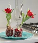 Röda tulpaner i visp