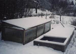 Även om snön ligger kvar kan man starta sin varmbädd.