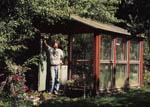 Vårt riktiga växthus, även det byggt av skrotglas.