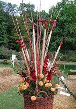 Arrangemang med trädgårdsredskap, Stinas Blommor