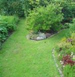 Detta är ett exempel på mötesplats. Som sådan också praktiserd i verklighet, eftersom vi haft besök av andra rörelsehindrade trädgårdsälskare.