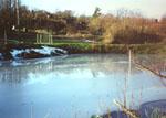 Inför vintern 1998/1999 satte jag i en cellplastkonstruktion som skulle hålla ett isfritt hål under vintern.
